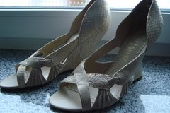 Wedges, formal sz 9 US in Baumholder, GE