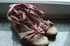Uggs wedge sandals, sz 8 US in Ramstein, Germany