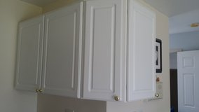 White KItchen Cabinets in Glendale Heights, Illinois