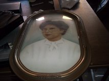 BEAUTIFUL OVAL PICTURE FRAME WITH GLASS FRONT.  PICTURE OF NURSE in Perry, Georgia