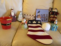 10 Christmas Holiday Decor Items in Palatine, Illinois
