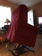 Remote Control Reclining Lift Chair in Sandwich, Illinois