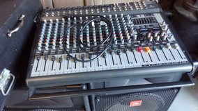 Behinger EUROPOWER PMP5000 audio mixer and case in Camp Lejeune, North Carolina