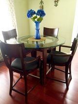 Dining table set- pcsing and must go! in Olympia, Washington
