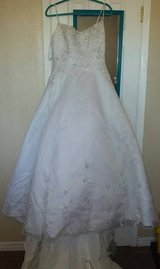 Size 12 David's Bridal Wedding Dress in El Paso, Texas