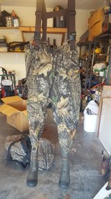 ON SALE Camo Duck Hunting Waders OBO (REDUCED!!!) in Fort Leonard Wood, Missouri