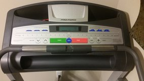 Pro-Form incline treadmill in The Woodlands, Texas