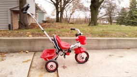 Kids learning tricycle in Bartlett, Illinois