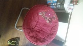 pink floral fold up bowl chair in Fort Polk, Louisiana