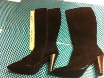 Beautiful Knee High Dress Boots. REDUCED Never worn in Travis AFB, California