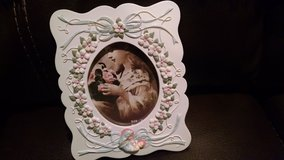 New - Dainty Ceramic Picture Frame in Joliet, Illinois