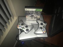 Halo reach edition xbox360 with game in Phoenix, Arizona