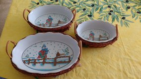 6 piece oval bowls and basket holders - Christmas in Bartlett, Illinois