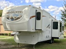 2009 Big Country 5th wheel 3 Slides, 2 ACs. 36FT. in Kingwood, Texas