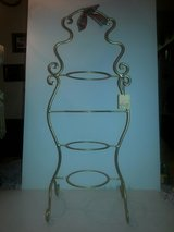 NWT! Gold Iron 4 Tiered Tea Cup Saucer/Small Plate Display Stand in Glendale Heights, Illinois