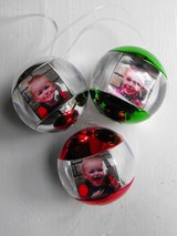 "NWT! Umbra ""RED"" Fotoball Multi Photo Picture Frame Ornament in Bartlett, Illinois"
