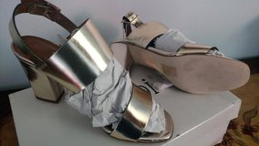 SANDALS SHOES Vacchetta Platino Made in ITALY! BRAND NEW 5.00 in Bolingbrook, Illinois