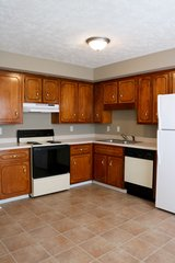 2 Bed 1.5 Bath Townhouse!! First month FREE!! in Fort Campbell, Kentucky