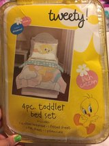 Toddler bed sheet set in Conroe, Texas