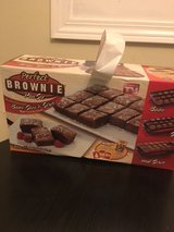 Perfect Brownie Pan Set . in Bolingbrook, Illinois