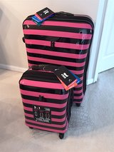 IT Pink Kingston Spinner Suitcase and Carry-on Luggage Set in Naperville, Illinois