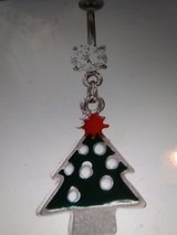 Green Christmas tree belly ring in Camp Lejeune, North Carolina