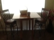 High-top table and 2 chairs in Jacksonville, Florida
