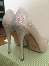 NEW in box High heel Rhinestone studded size 8 in Fort Bliss, Texas