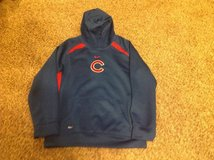 Chicago Cubs Nike sweatshirt size M in Naperville, Illinois