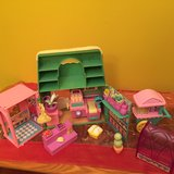 Vegetable and Flower Shop with lots of accessories toy in Morris, Illinois