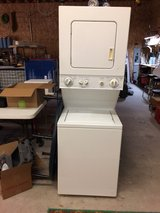 Stackable washer/dryer, electric stove, Water heater in Conroe, Texas