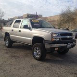"2004 CHEV AVALANCHE 1500 Z66 5.3L VORTEC V8 AUTO 2WD "" LIFTED "" FULLY LOADED ...$6888 in Yucca Valley, California"