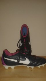 Women's Nike Soccer/Rugby Cleats; Size 8.5 in Aurora, Illinois