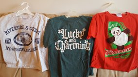 Boys Size 4/5 Short Sleeve Shirts (Updated 12/2/2016) in Naperville, Illinois