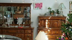 Dresser and vanity in Dover, Tennessee