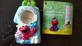 "ELMO ""MY 1ST CHRISTMAS"" MINIATURE PICTURE FRAME ORNAMENT NEW in Bolingbrook, Illinois"