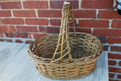 Gold Woven Basket in Perry, Georgia