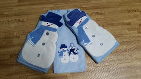 Snowman towel and 2 oven mitts in Batavia, Illinois