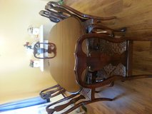 dining room table and 6 dining chairs. in Bolingbrook, Illinois