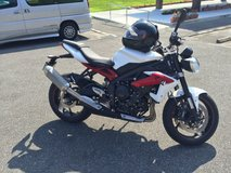 2015 Triumph Street Triple R  JCI until 2018 , GREAT condition ONLY 3k miles in Okinawa, Japan