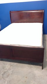 New Queen cherry sleigh bed in Camp Lejeune, North Carolina