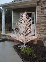 7 FT CHRISTMAS LIGHTED TREE in Camp Lejeune, North Carolina