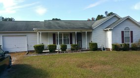!!!!!!! 3 bed 2 bath!!!!!!!!!! By Mike's Farm Hawbranch Rd. in Camp Lejeune, North Carolina