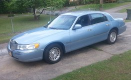 1998 Lincoln Town Car (Low Miles) in Warner Robins, Georgia