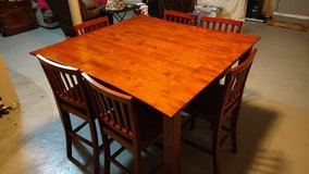 Bar height table and 6 chairs in Fort Rucker, Alabama