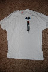 HANES T SHIRT X TEMP SIZE XL BRAND NEW in Bolingbrook, Illinois