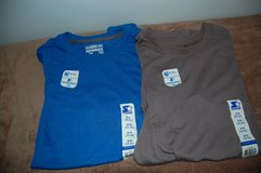 STARTER Performance Tee. Training fit. T SHIRT BRAND NEW 2 HERE MEDIUM in Bolingbrook, Illinois