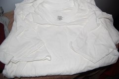 6 T-shirts for $10.00 Hanes ComfortSoft. Size Small Brand new in Bolingbrook, Illinois