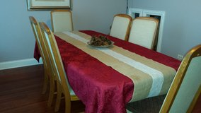 Dinning table and 6 chairs in Joliet, Illinois