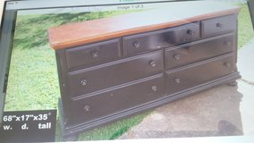 dresser and night stand in League City, Texas